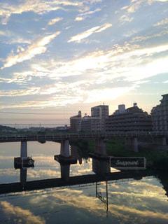 空,橋,夕焼け,夕暮れ,線路,リフレクション,鉄道,横浜市,鶴見川,綱島,大綱橋