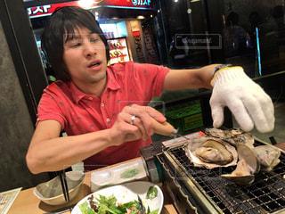 手際良く牡蠣を焼く姿◎ - No.894763
