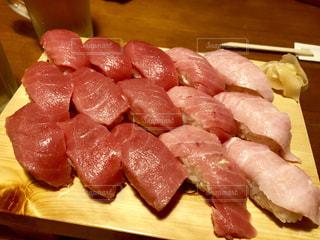 ピンク,赤,お寿司,寿司,赤身,大トロ,中トロ,まぐろ