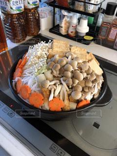 家,鍋,土鍋,加工なし,白菜,きのこ,ニンジン,しめじ,鍋パーティ,しらたき,私とごはん,寒くないけど鍋うまい,私のごはん