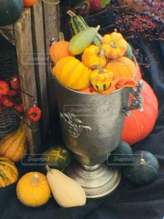 秋,緑,カラフル,黄色,オレンジ,ハロウィン,容器,かぼちゃ,パンプキン,イエロー,ディスプレイ,グリーン,木箱,シルバー,銀,秋色,秋色コーデ,カラフルフォト