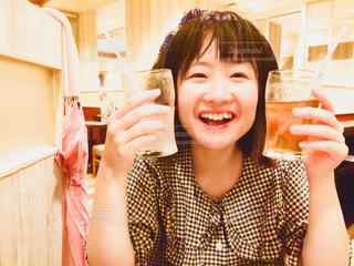 女の子の笑顔の写真・画像素材[1374640]