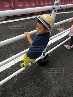 少年野球バットを握るの写真・画像素材[1369238]