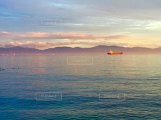 興居島の海辺の夕暮れ時の写真・画像素材[1386990]
