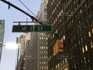 建物,ニューヨーク,屋外,海外,標識,都会,旅行,信号,通り,ダウンタウン,交通
