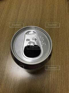 飲み物,空き缶,缶,ビール,驚き,木目,アルコール,飲料,びっくり
