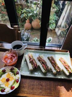 食べ物,コーヒー,デザート,テーブル,サンドイッチ,野菜ジュース