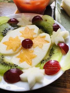 デザート,キウイ,ブドウ,柿,リンゴ,スライス