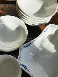 屋内,白,影,テーブル,皿,食器,ボウル,セラミック,重ね,磁器