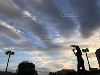 幻想的な夕映えの写真・画像素材[1689707]