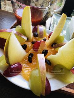 食べ物,朝食,デザート,果物,りんご,ブドウ,ヨーグルト,手づくり,伊予柑,スライス