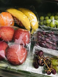 果物,りんご,ブドウ,新鮮,食材,冷蔵庫,バナナ,ラップ,伊予柑