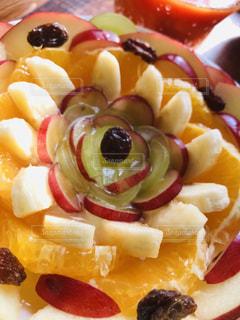 食べ物,朝食,デザート,果物,りんご,ブドウ,ヨーグルト,手づくり,バナナ,スライス,配置