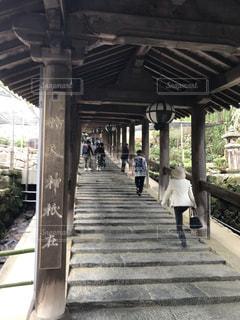 長谷寺歴史の階段を上る人たちの写真・画像素材[2170390]