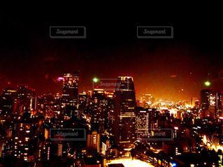 夜の街の景色の写真・画像素材[1680199]