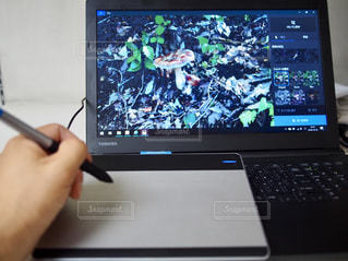 開いているパソコンのスクリーン ショットの写真・画像素材[1549121]