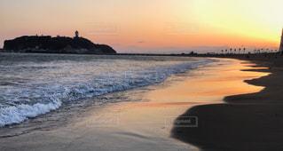 夕暮れ時の江ノ島の写真・画像素材[1401419]