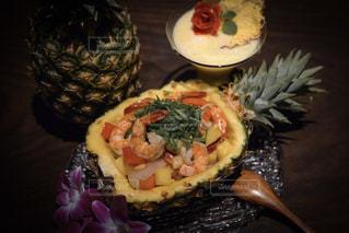 タイ風パイナップル料理の写真・画像素材[1835204]