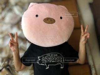 豚顔の人の写真・画像素材[2274101]