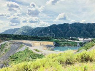 山の中の採石場の写真・画像素材[1399534]