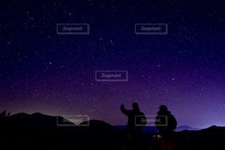 星空の下の写真・画像素材[1703904]