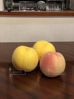 秋,ピンク,黄色,フルーツ,果物,みずみずしい,甘い,桃,香り,丸み,スイート