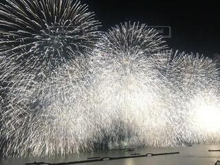 空の花火の群の写真・画像素材[3685285]