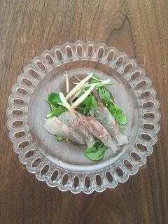 旬の真鯛を使った簡単サラダの写真・画像素材[3711400]