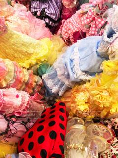 カラフルなドレスいっぱい!の写真・画像素材[1555540]