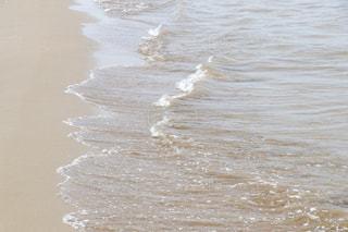 さざ波、たださざ波…の写真・画像素材[2336553]