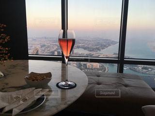 エティハドタワーでシャンパンをの写真・画像素材[1421354]