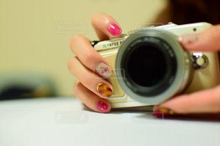 カメラとネイルの写真・画像素材[1564631]