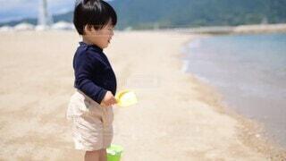 子ども,風景,スポーツ,屋外,砂,ビーチ,水面,人物,人,赤ちゃん,地面,幼児,テニス,少年,アスレチック