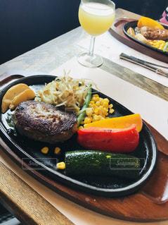 食事,ランチ,ごはん,肉,おいしい,外食,美味しい,ハンバーグ,food,lunch,お昼ごはん