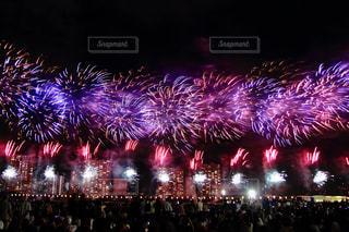 空,夜,夜景,ピンク,花火,鮮やか,風物詩,Fireworks,そら