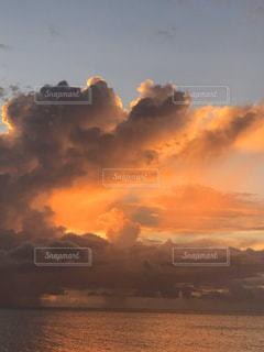 自然,空,太陽,雲,夕暮れ,光,日の出,くもり,クラウド