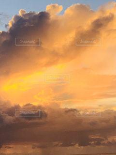 自然,風景,空,屋外,太陽,雲,夕暮れ,景色,光,日の出,くもり,日中,クラウド,設定