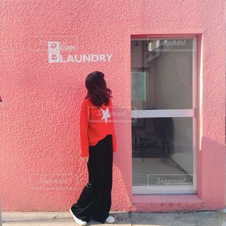 女性,ピンク,赤,かわいい,壁,ピンク色,pink