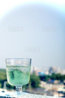 食べ物,カフェ,緑,ジュース,晴れ,水面,ガラス,ストロー,液体,リラックス,レモン,グラス,カップ,メロン,ライム,カクテル,おうちカフェ,ソーダ,グリーン,スムージー,ドリンク,モヒート,レモネード,メロンソーダ,おうち,ライフスタイル,飲料,淡水,ハイボール,パラダイス,サワー,グリーンスムージー,野菜ジュース,フォトジェニック,ジントニック,ダイキリ,カイピリーニャ,ロックグラス,ミントジュレップ,きり,レモンソーダ,リッキー,インスタ映え,ライムジュース,レモン汁,ソフトド リンク,おうち時間,フィズ,ノンアルコール飲料,グレイハウンド,アイスキューブ,レモンライム,神風,ハイボールグラス,マティーニグラス,ウォッカトニック,トム・コリンズ,リモナナ