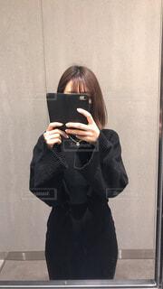 鏡で一枚の写真・画像素材[4316746]