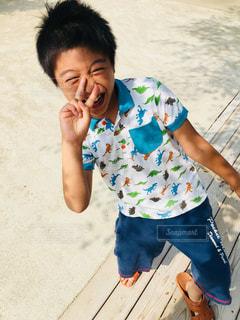 夏の旅行先にて 笑顔の一枚の写真・画像素材[1417931]