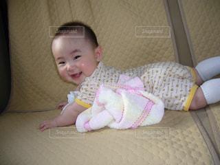 車内の赤ちゃんの写真・画像素材[1591820]