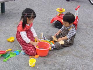 お姉ちゃんと公園の写真・画像素材[1625896]