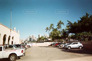 建物,海外,雲,車,景色,街,レトロ,観光,旅行,ヤシの木,ハワイ,リゾート,海外旅行,ヴィンテージ,フィルムカメラ,タウン,駐車