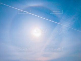 自然,空,太陽,青空,青,幻想的,光,未来,飛行機雲,夢,空気,ポジティブ,輪,明日,飛びたい,目標,可能性,光の輪
