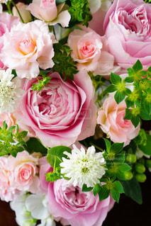 花,ピンク,フラワーアレンジメント,バラ,背景,グリーン,ヒペリカム,フレッシュ,生花,スカビオサ