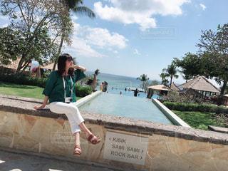 女性,1人,海,海外,プール,青空,景色,人,バリ島,爽快,晴れの日,おしゃれ,パーマ