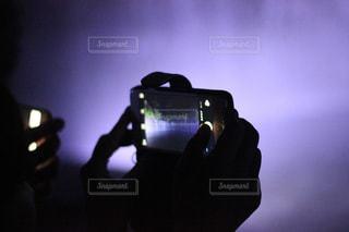ライトアップされた滝の写真・画像素材[1436350]