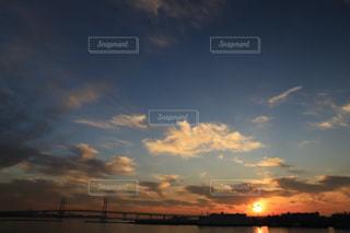 横浜の朝焼けの写真・画像素材[2414326]