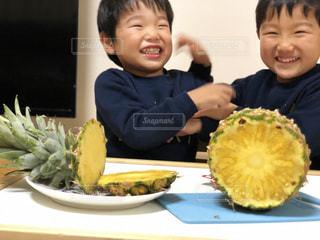 食べ物,黄色,フルーツ,果物,果実,パイナップル,5歳,食材,3歳